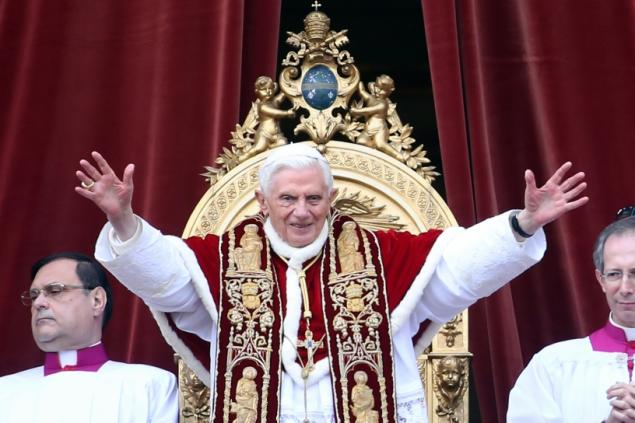 pope benedict saying bye