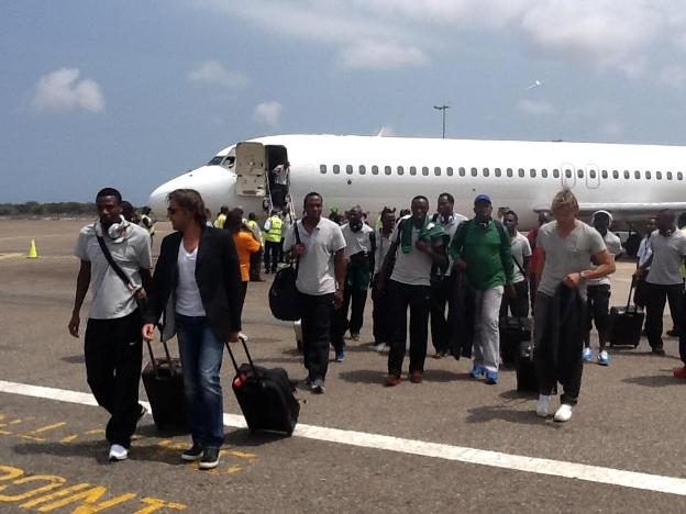 Chipolopolo arriving in Ghana