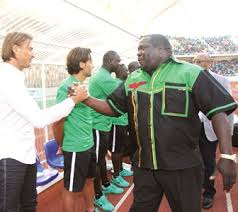 File: Kambwili greets Renard