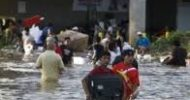 Flooded Acapulco hit by looting as tourists airlifted