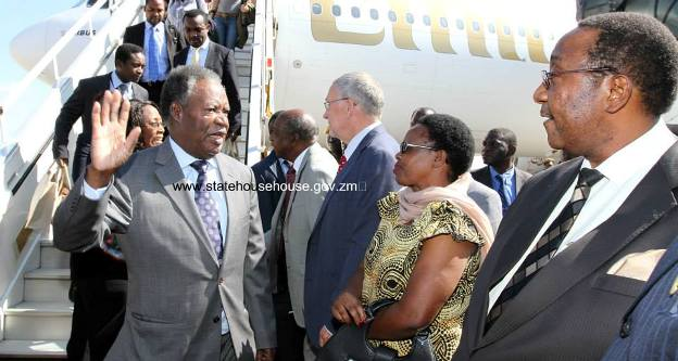 Sata arriving at the Airport far right Geoffrey Mwamba