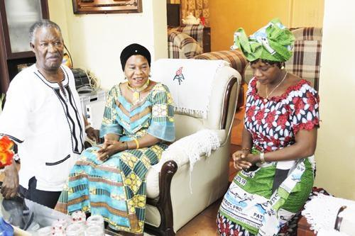 File: Masebo (r) with Chieftainess Nkomesha and and Sata