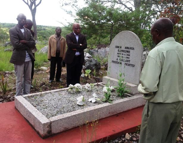 Chinsali Dr Mumba visiting Kapwepwe's grave