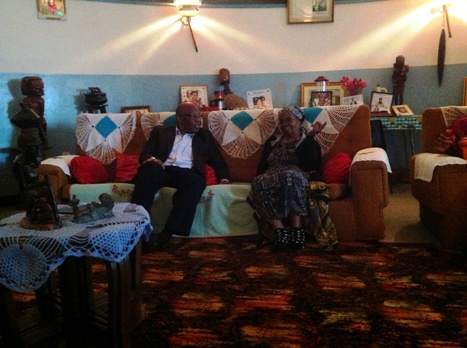 Dr Mumba meeting Simon Kapwepwe's widow