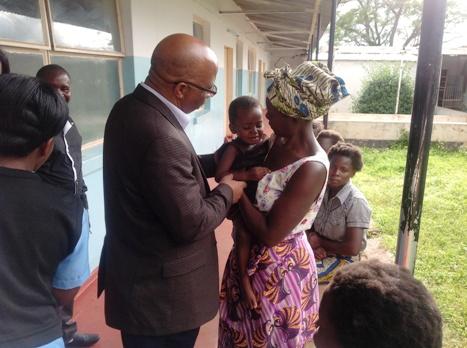 Dr Mumba visiting patients at Chinsali District Hospital