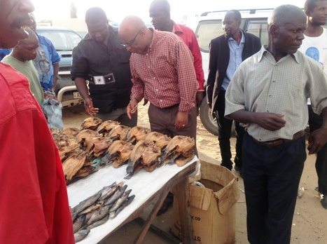 Mumba stops over at a local market to interact with marketers