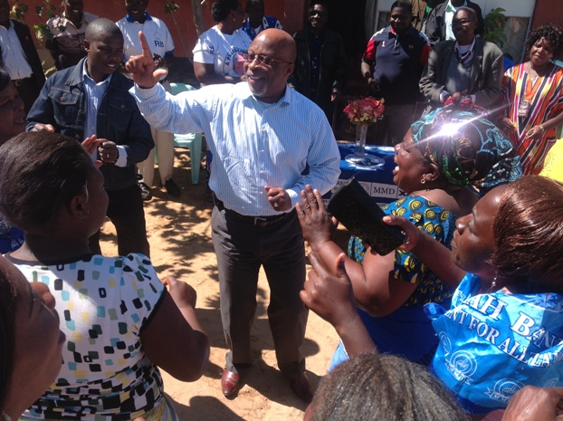 Nevers Mumba interacts with MMD members in Kabwe