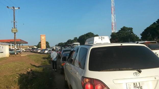 Motorists queuing up for fuel on Chilumbulu Road on Monday