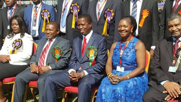 President Edgar Lungu, Commence Minister Magrate Mwanakatwe pose with Mozambican President Fellipe Nyusi