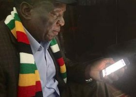 Zimbabweans stop following their president on Twitter
