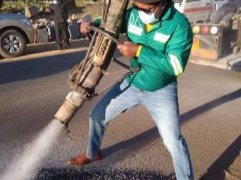 Lusaka Mayor, Miles Sampa spends day fixing potholes